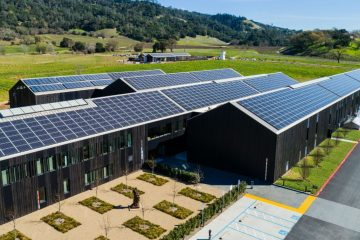 SIlver Oak Cellars winery featuring 2,595 solar voltaic panels