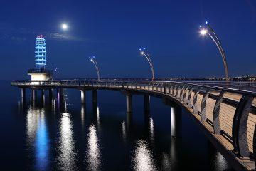 The Brant St. Pier in Burlington, Ontario. © Harold Stiver/ 123RF.com