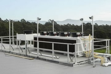 Adiabatic gas cooler for transcritical CO2 system