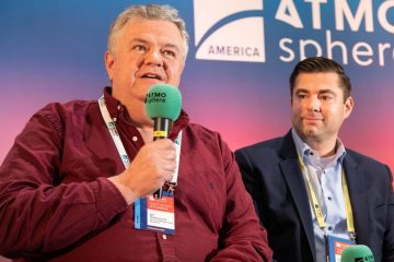 Art Sutherland (left), Accent Refrigeration Systems, at ATMOsphere America 2019.