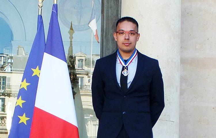 Simon Lor-saw with his MOF medal.
