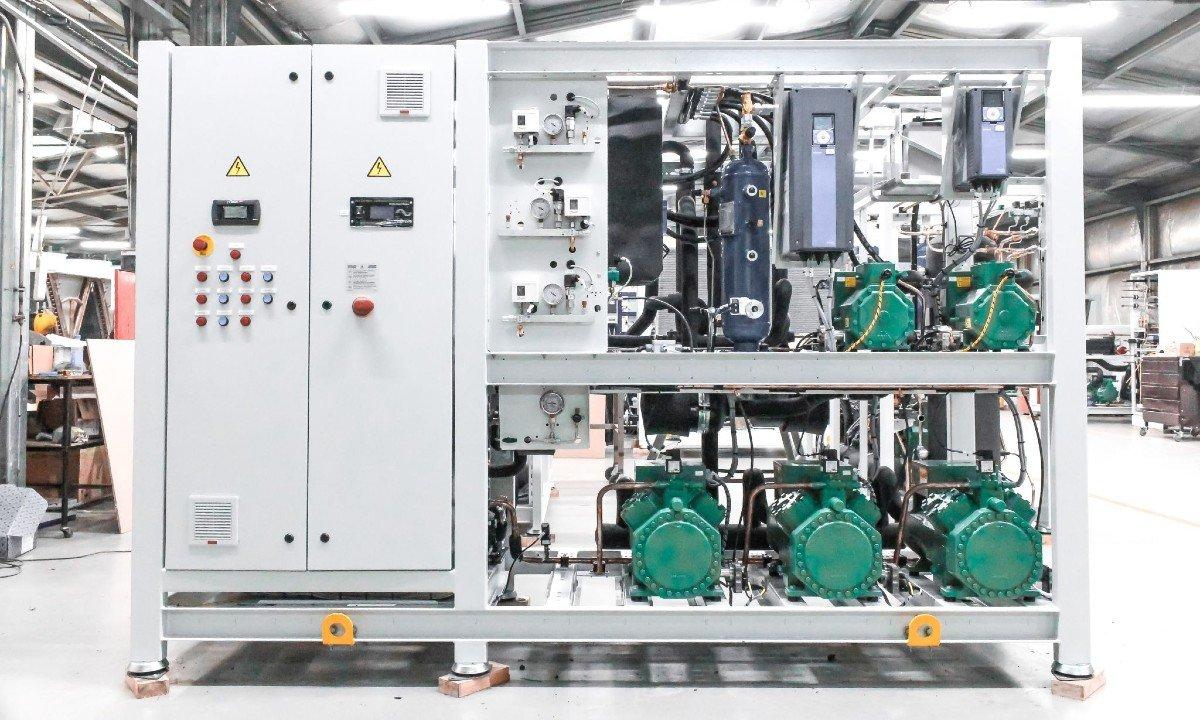Refra transcritical CO2 rack with standstill cooling